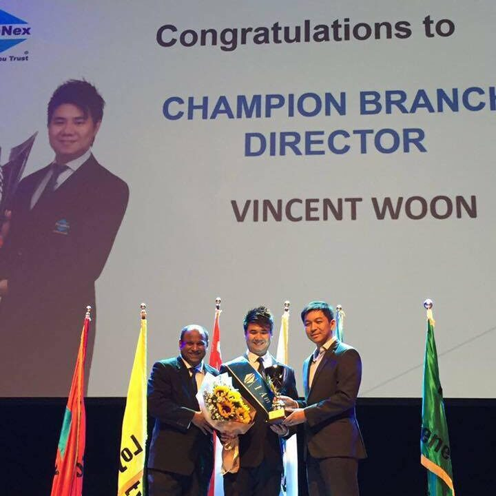 Vincent Woon Award Receiving - Champion Branch Director